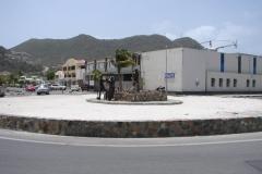 St.-Maarten-1262-Philipsburg-Politiebureau-met-helikopter-op-dak