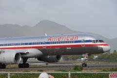 St.-Maarten-1330-Vliegveld-Vertrekkend-vliegtuig