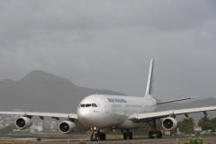 St.-Maarten-1332-Vliegveld-Vertrekkend-vliegtuig