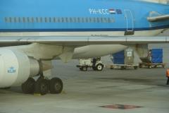 St.-Maarten-1345-Vliegveld-Inladen-bagage