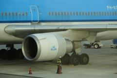 St.-Maarten-1346-Vliegveld-Inladen-bagage