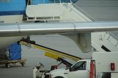 St.-Maarten-1350-Vliegveld-Inladen-bagage