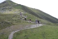 Bramberg-071-Wildkogel-Wandelaars-op-pad-naar-de-top