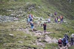 Bramberg-074-Wildkogel-Wandelaars-op-pad-naar-de-top