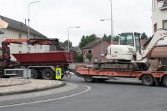Simpelveld-Vrachtwagencombinatie-passeert-rotonde-bij-Pleistraat-1